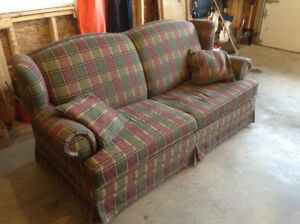 Couch / Love Seat (Pull Out Bed)