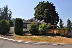 Super Charming 50's home with Lakeview close to town Salmon Arm