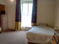 Large Room in Shared Student flat with Allocated Parking - Great location nr Plym Hoe/City Centre