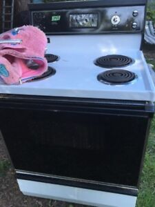 Electric Stove / Oven ~ Works great ~ Kenmore