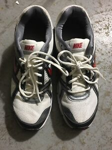 Nike runners (perfect condition)
