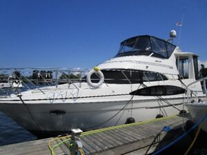 2004 Four Forty Four Motor Yacht