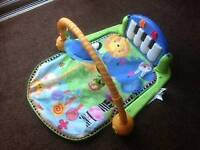 Musical play mat with keyboard