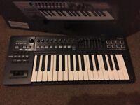MIDI KEYBOARD Roland A300 Pro 32-key keyboard with MIDI interface