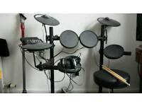 Yamaha DTX400k Drum Kit w/ Stool, Sticks and Headphones