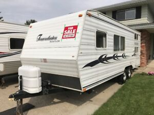 REDUCED & MUST SEE - CLEAN Travelaire Rustler 24-ft trailer