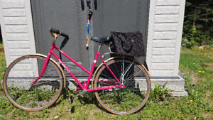 Norco Crosstown Pink and Gold Excellent Condition.