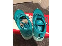Nike air max thea size 4.5