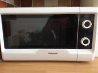 Hot point microwave 600watts power