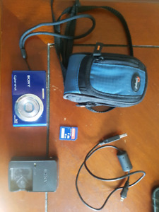 Sony cybershot point and shoot camera