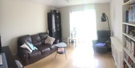 Dbl room in a lovely flat (sharing with just 1)