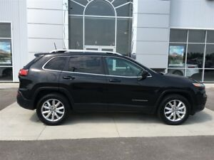 2016 Jeep Cherokee Limited 4X4 Loaded V6