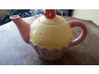Novelty Cupcake Teapot