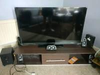 TV LED - 50 inch Hitachi, plastic still on.