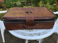 Nest of three Suitcases