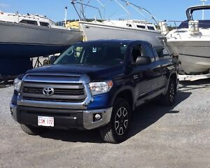 2015 Tundra TRD ** LOW KMS!**