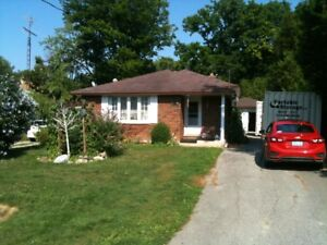DEEDED BEACH RIGHTS STEPS AWAY