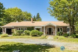 Quiet cul-de-sac in the heart of Fall River, close to amenities