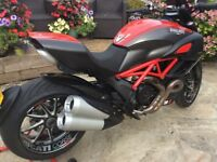 Ducati Diavel Carbon ( fully loaded) the ultimate versatile muscle bike