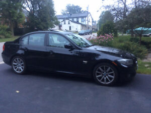 2011 BMW 3-Series executive sport Sedan
