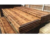 Waneylap heavy duty pressure treated fence panels