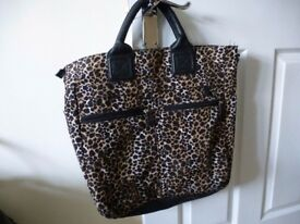 Smart/Casual Womens' Leopard Print Bag