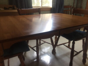 Roxton maple table, 6 chairs and hutch