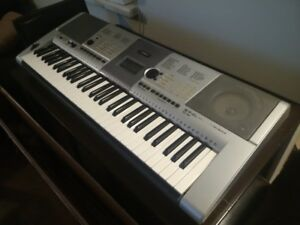 Yamaha PSR-E403 Portable Keyboard