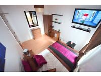 Lovely ♥ Double room in a newly refurbished house in busy hustling STRATFORD E15 area! FREE WiFi ♥