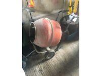 Concrete mixer £100
