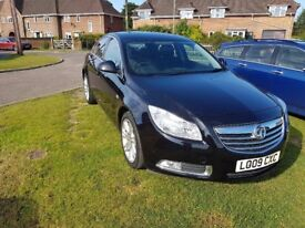 Vauxhall Insignia 2.0 CDTI Exclusive 5 dr Hatch Metalic Black ex condition - Sat Nav Bluetooth phone