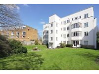 Minutes From Clapham Junction Station! 2 Double Bedroom Flat - Off Street Parking - Available Now!