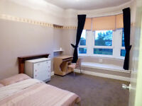 A lovely 1-DOUBLE BEDROOM FLAT to let in the North Kelvinside, G20