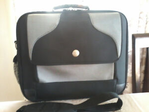 JUST LIKE NEW LAPTOP CARRY CASE