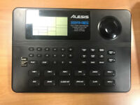 Broken Alesis SR16 Drum Machine