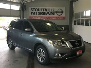 Nissan Pathfinder sl tech pana roof and navigation 2015