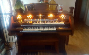 Baldwin Fanfare Deluxe Theatre electric Organ/Piano