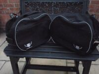 Motorcycle pannier liners