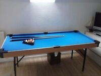 Pool / billiard table, 6ft, including cues and balls