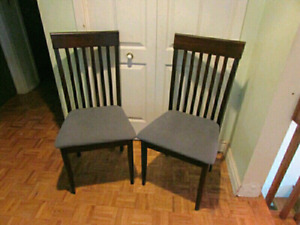 Pair of dining chairs GREAT condition