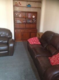 BARGAIN DISCOUNTED EXTRAORDINAIRE FURNISHED FLAT TO LET IN CROSSHILL