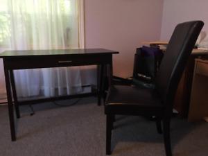 Desk/Chair Set- Excellent Condition