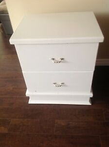 Bedside table/set of drawers
