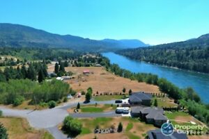 Build your dream home in Riverview Place Castlegar 198150