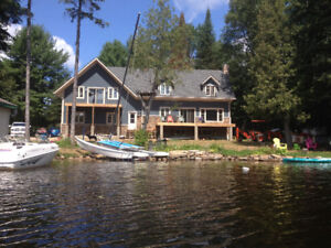 Beautiful cottage on Baptiste lake