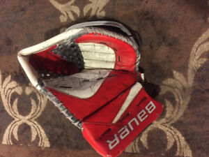 Bauer Reactor 9000 Goalie Glove (used)