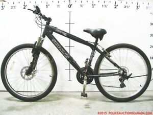 SCHWINN (kicker) like new adult mountain bike