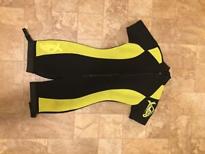 Shortie Wetsuit size Adult Small