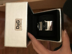 D&G bangle watch silver