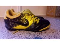 Boys Nike astroturf football boots